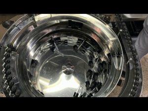 メカニカルハンド型cbdボトル充填およびキャッピングマシン